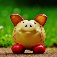 9 idei să economisești bani fără să-ți schimbi stilul de viață